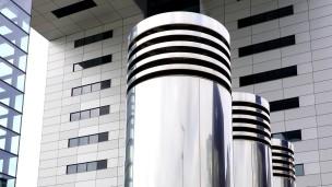 Skulpturale Architektur, die Kranhäuser in Köln.