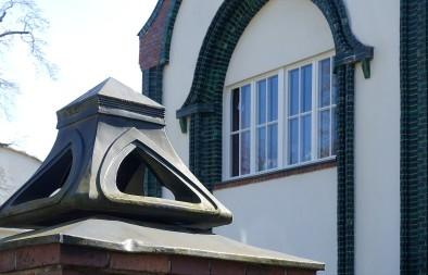 Darmstadt, Haus Behrens auf der Mathildenhöhe. Die Jugenstil-Ornamente haben gotische Anklänge..