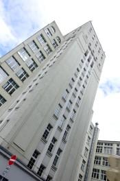 """Der """"Bau 15"""" der Zeiss-Werke in Jena gilt heute als das erste in Deutschland errichtete, freistehende Hochhaus."""
