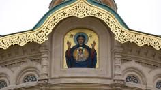Die Ikonenmalereien und Entwürfe für die Mosaiks der Darmstädter russisch-orthodoxen Kirche stammen zum großen Teil von den russischen Kirchenmalern Karl Timoleon Neff und Wiktor Michailowitsch Wasnezow .