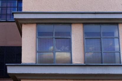 Die alten Stahlrahmen der Fenstern wurden erhalten.