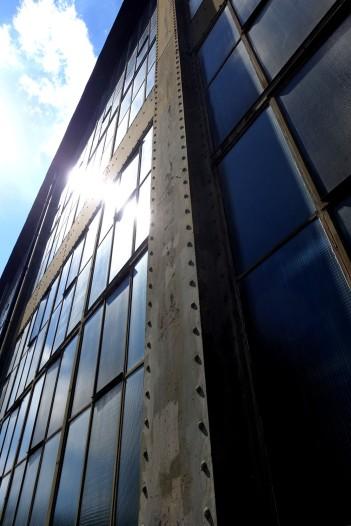 Mit dem Bau begann der Siegeszug von Glas und Stahl als bestimmende Materialien in der Industriearchitektur des 20. Jahrhunderts.