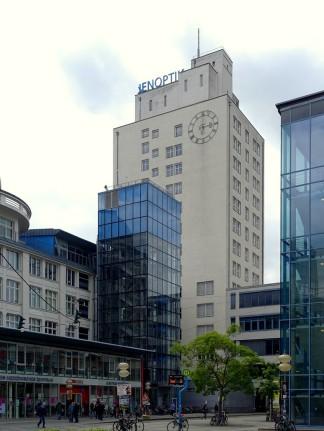 Das Ernst-Abbe-Hochhaus von 1936 ist heute Sitz von Jenoptik.
